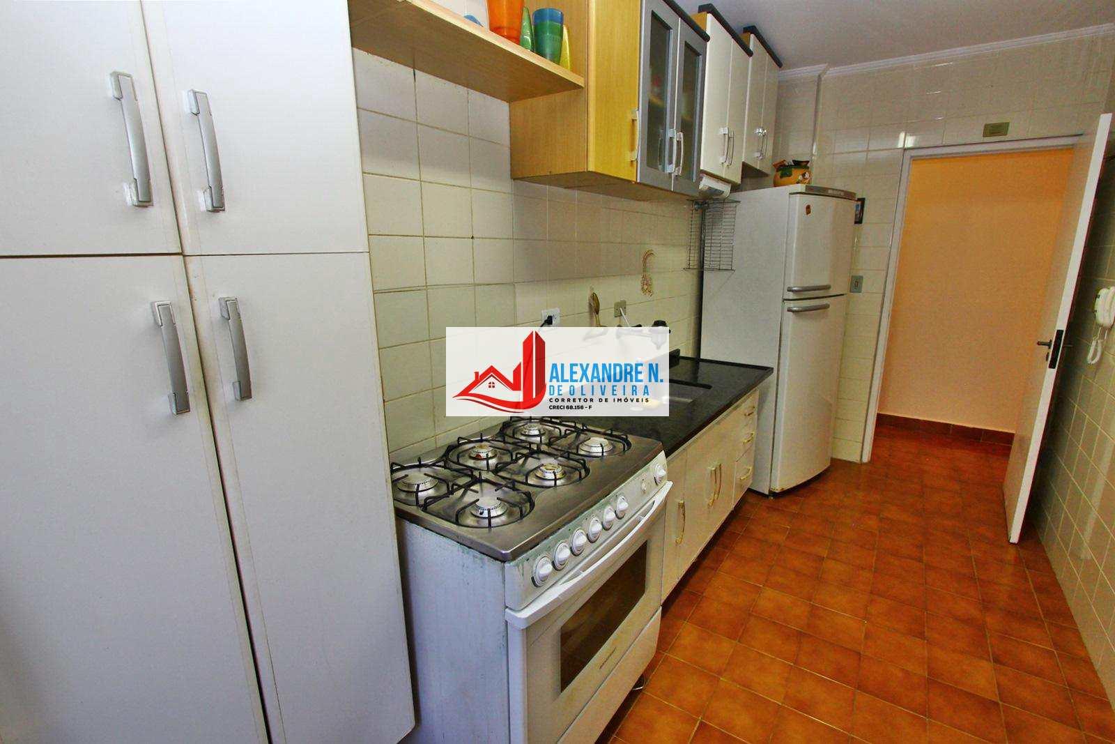 Apartamento com 2 dorms, Caiçara, Praia Grande - R$ 210 mil, Cod: AP00540