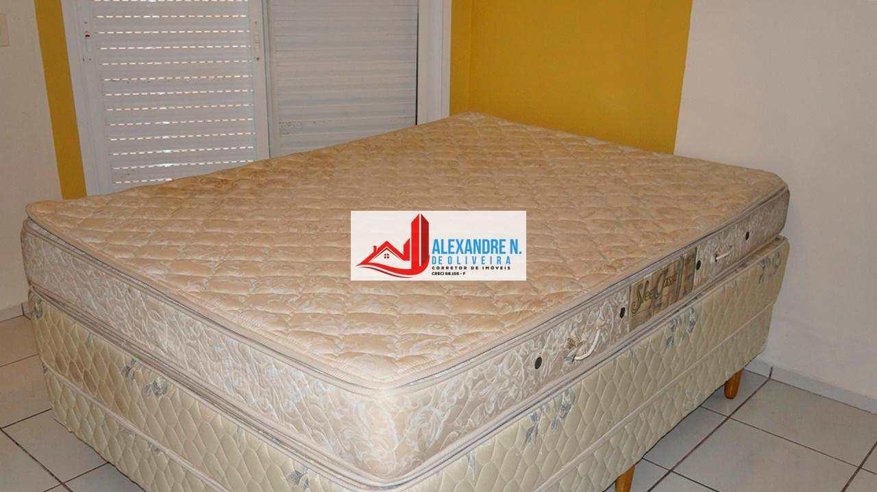 Frente-mar, 2 dorms, Ocian, Praia Grande, R$ 310 mil, AP00586.