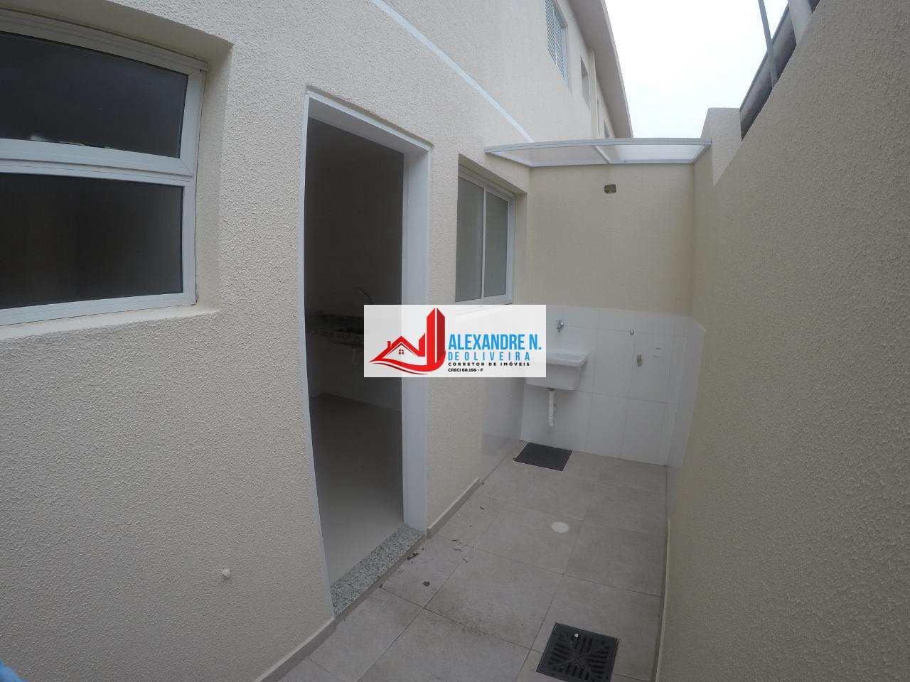 Sobrado Novo, 2 dorms, 2 wcs, Praia Grande, R$ 185 mil, SB00005