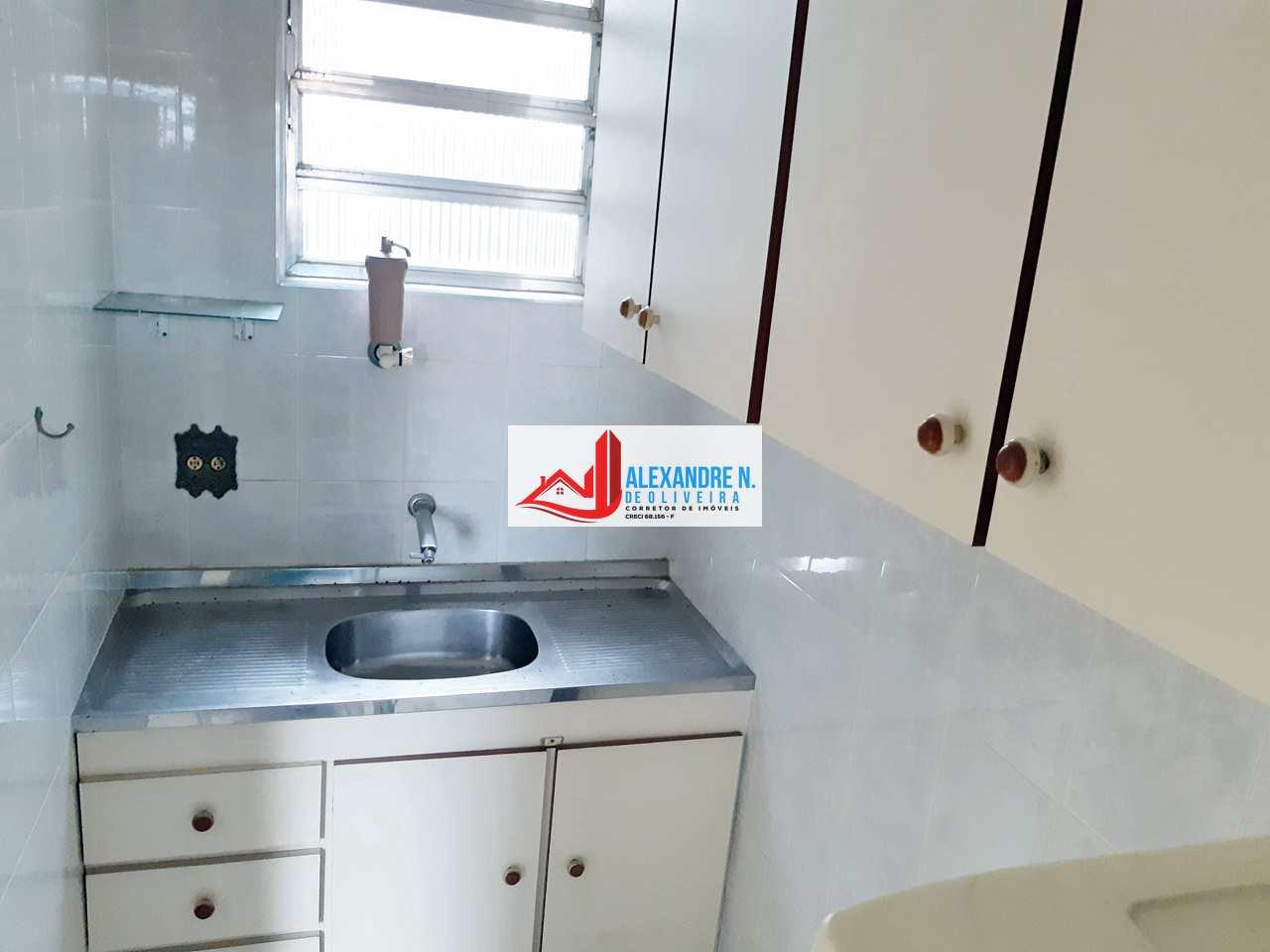 Apartamento 1 dorm, Ocian, Praia Grande - R$ 110 mil, AP00651