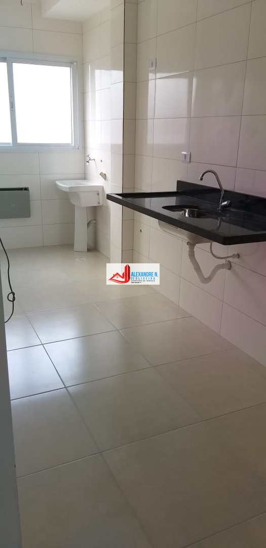 Apto 2 dorms, Ocian, Praia Grande - R$ 300 mil, AP00668