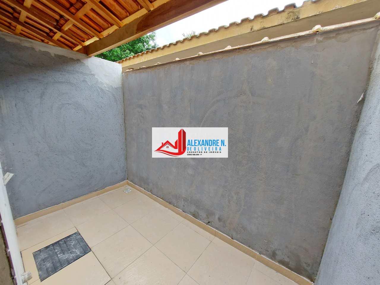 Sobrado novo, 2 dorms, Tupi, Praia Grande, R$ 220 mil, SB00025