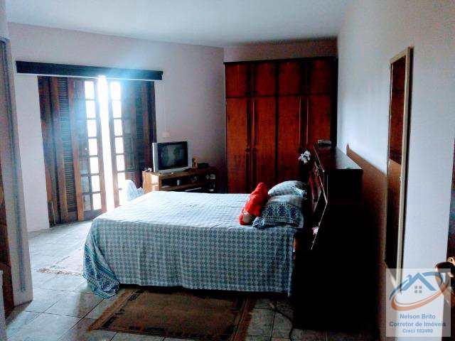 Sobrado com 3 dorms, Parque Gerassi, Santo André.