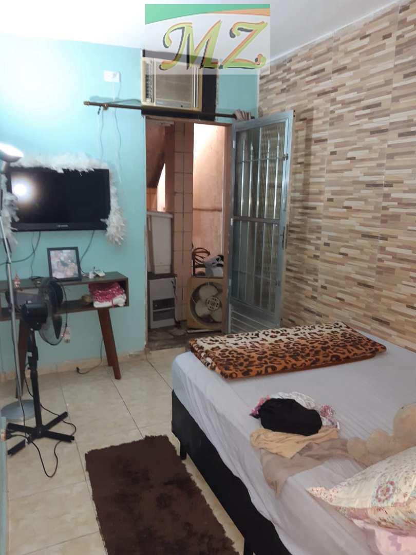 Casa com 5 dorms, Santa Maria, Santos - R$ 850 mil, Cod: 1646