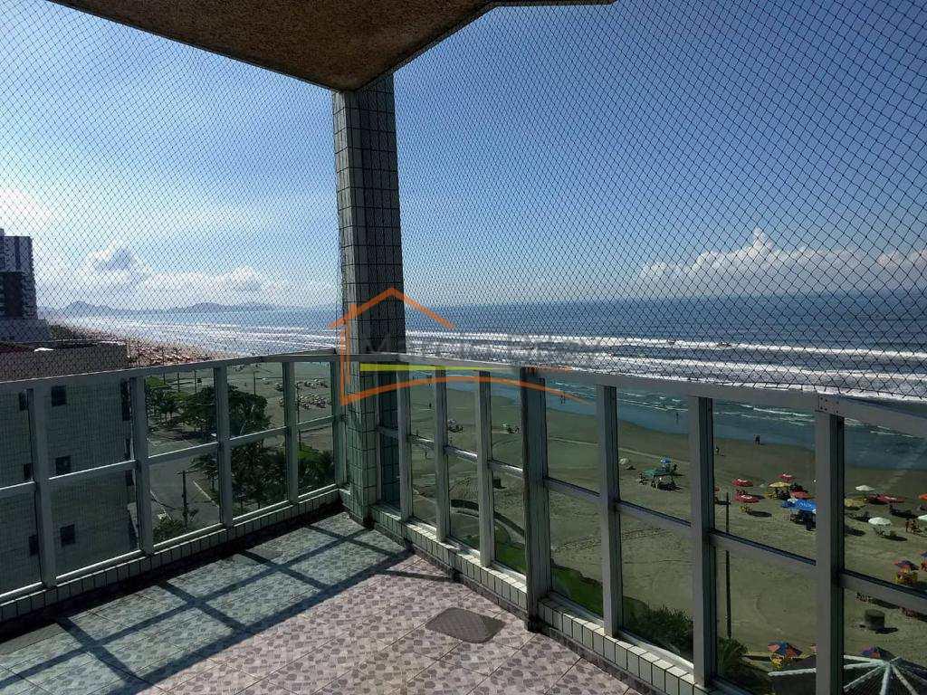 Apto 2 dormitórios, sendo um suíte com vista lateral para o mar!