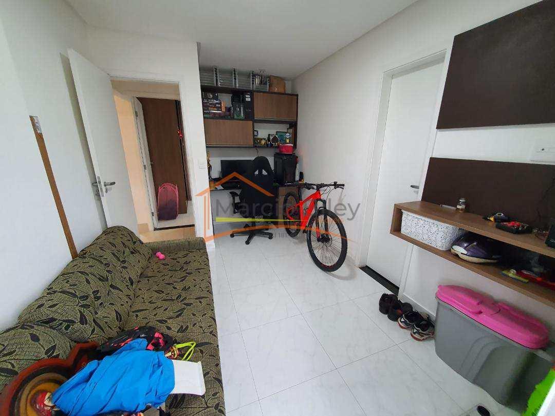 Apartamento com duas suítes no canto do forte!