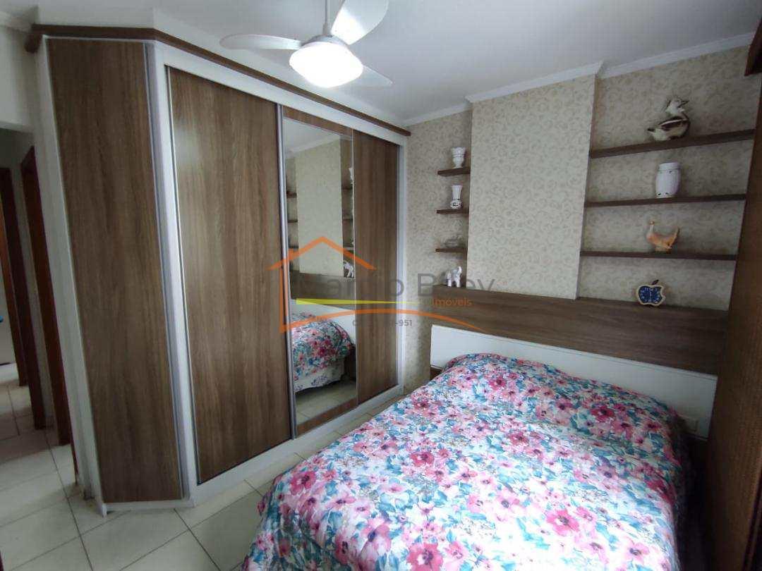 Apt 2 dormitórios sendo um suíte na Aviação com vista para o mar!