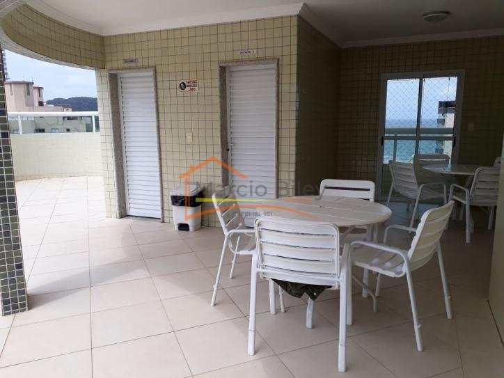 Apt dois dormitórios , sendo um suíte, 50 m da praia, lazer completo.