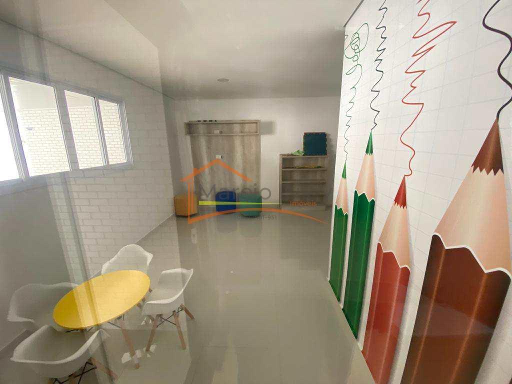 Apt 3 dormitórios, sendo 2 suítes, com vista para o mar, e  área de lazer.