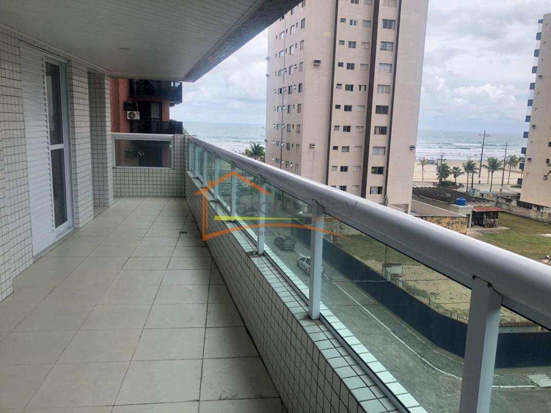 Lindo apartamento de 3 dormitórios sendo 2 suítes e vista para o mar