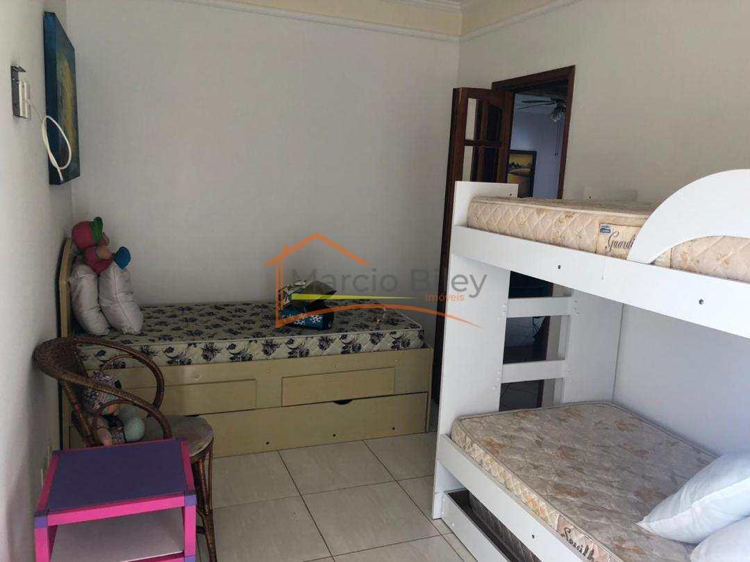 Apartamento mobiliado de 2 dormitórios sendo 1 suíte, vista para o mar