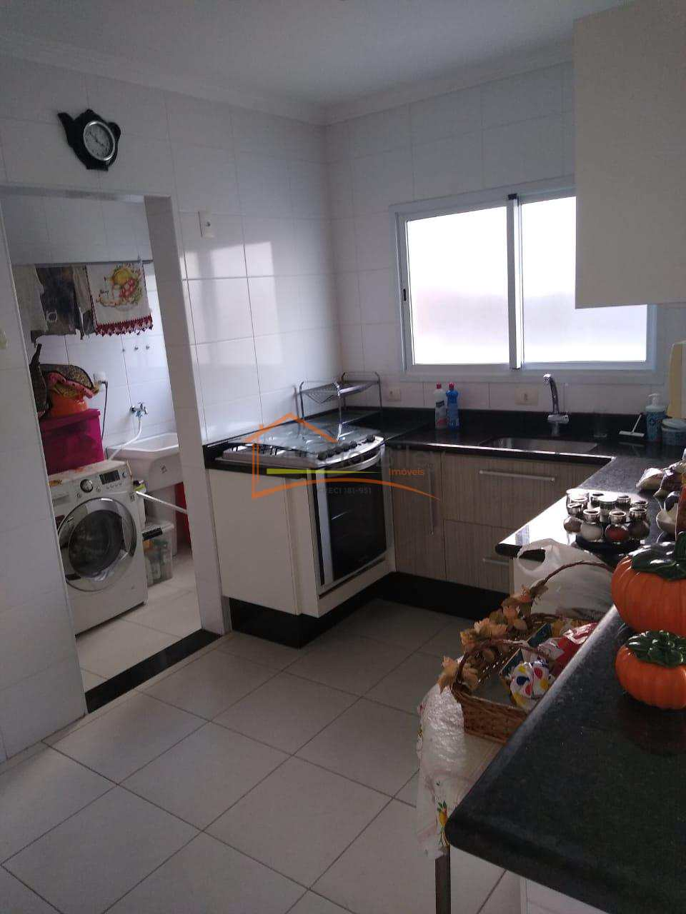 Apartamento mobiliado 2 dormitório  2 vagas canto do forte  450 mil