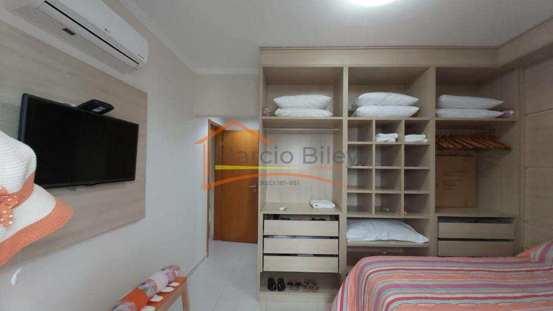 Apartamento todo mobiliado de 2 dormitórios sendo 1 suíte. Vista para o mar