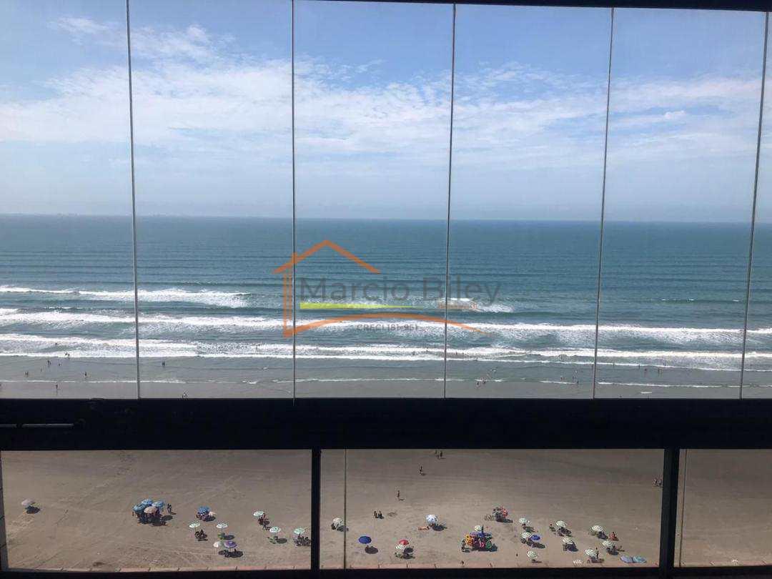 Apartamento de 2 dormitórios sendo 1 suíte com vista para o mar.