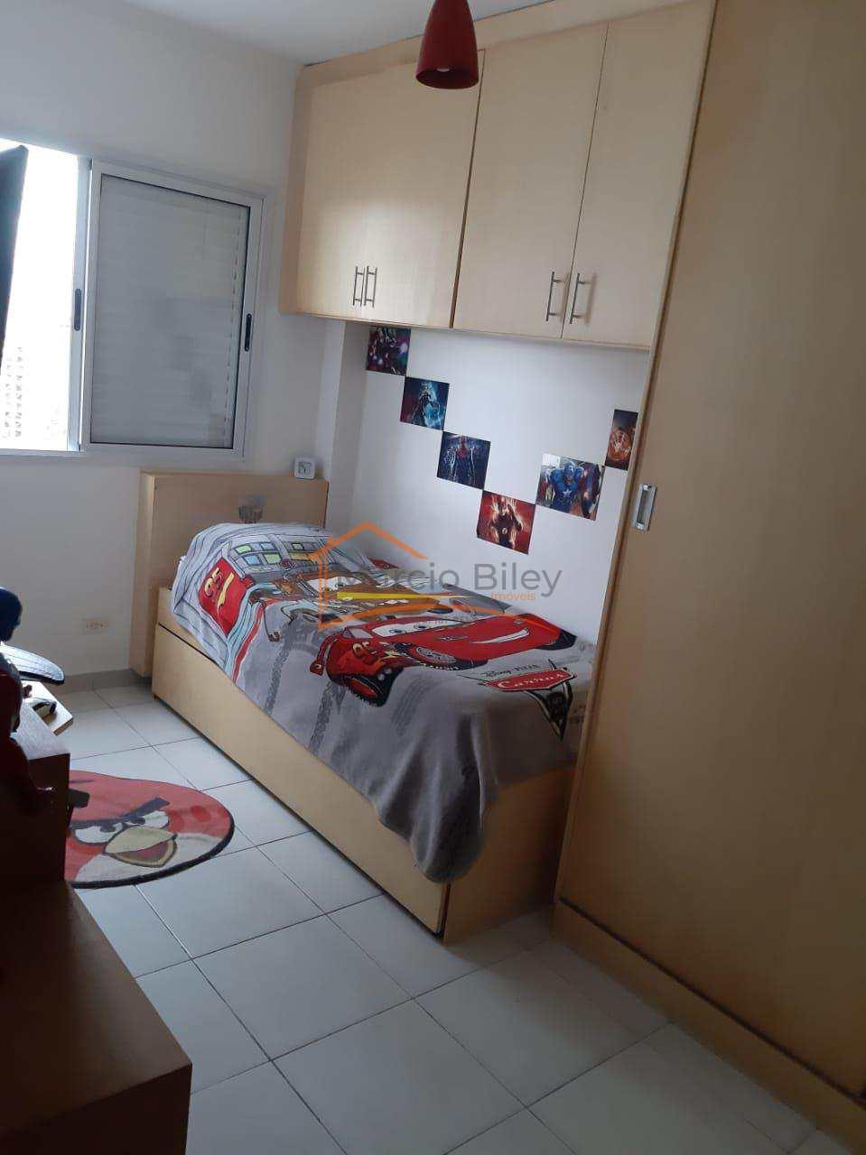 Apartamento 3 dormitórios 3 quadras da praia.