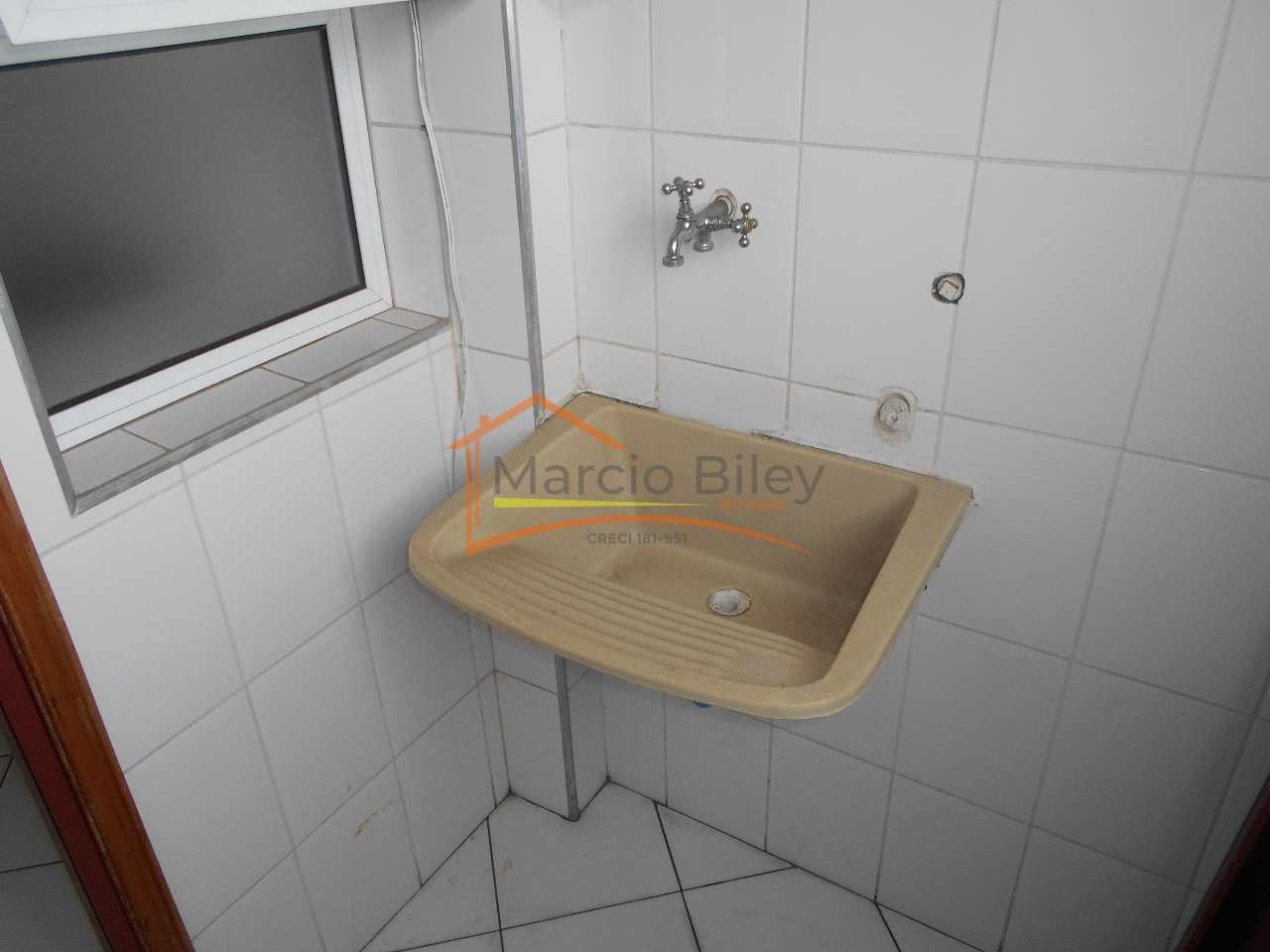 Apartamento com 0 dorm, Caiçara, Praia Grande - R$ 190 mil, Cod: 676