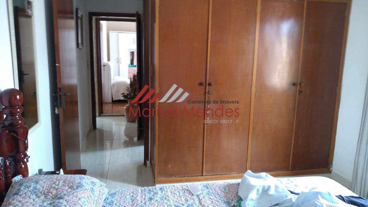 Residência com 03 dorm. ( 1 suíte) -  Vila Braz - Pirassununga