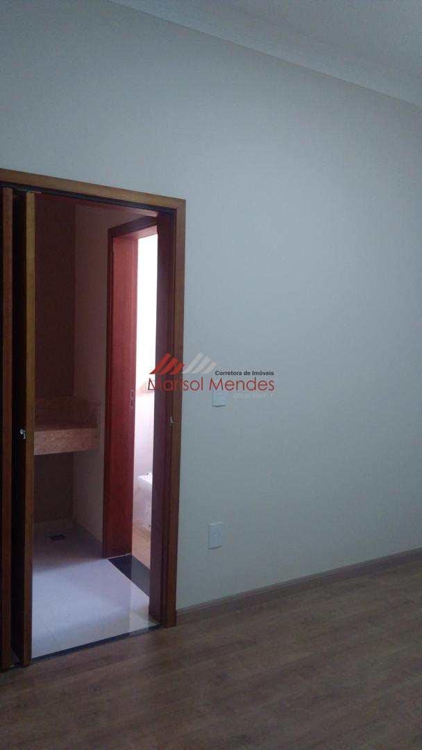 Casa com 3 dorms, Jardim Rosim, Pirassununga, Cod: 47