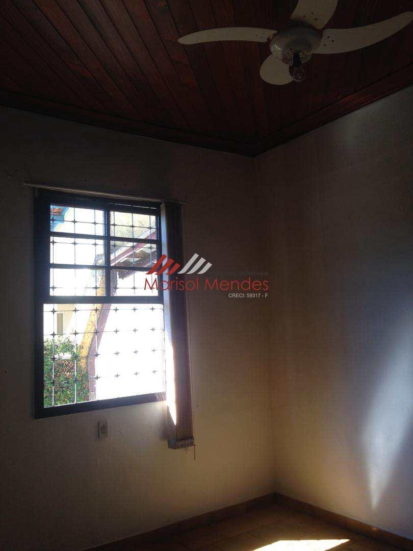Casa com amplo quintal, Pirassununga - R$ 500 mil, Cod: 48