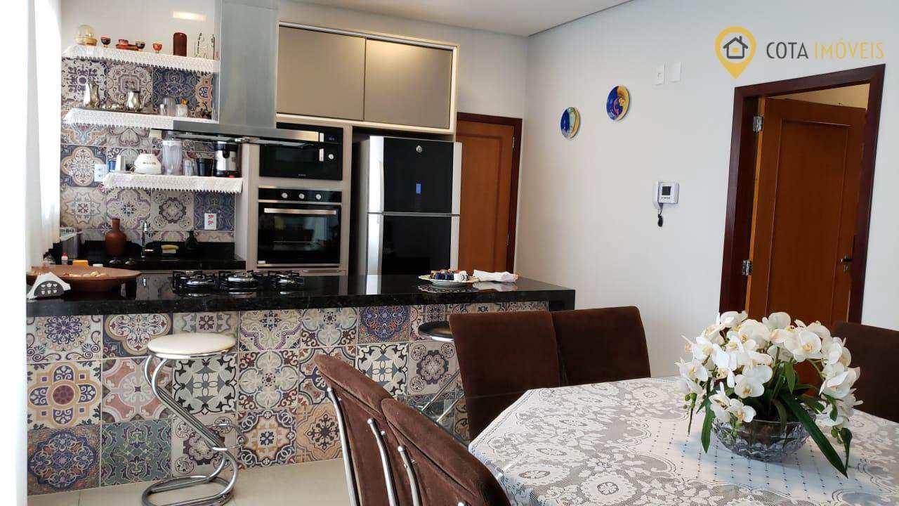 Casa com 3 dorms, Belo Horizonte, Marabá - R$ 660 mil, Cod: 85