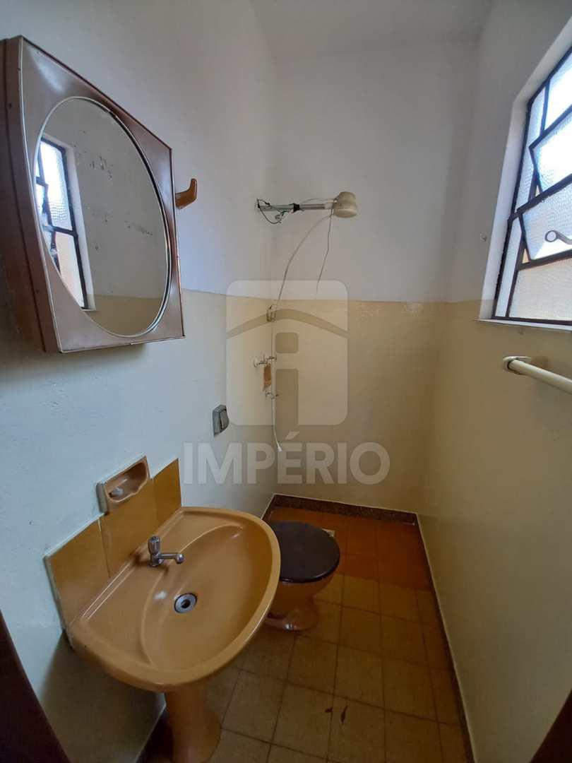 Casa com 3 dorms, Vila Sampaio Bueno, Jaú - R$ 300 mil, Cod: 282