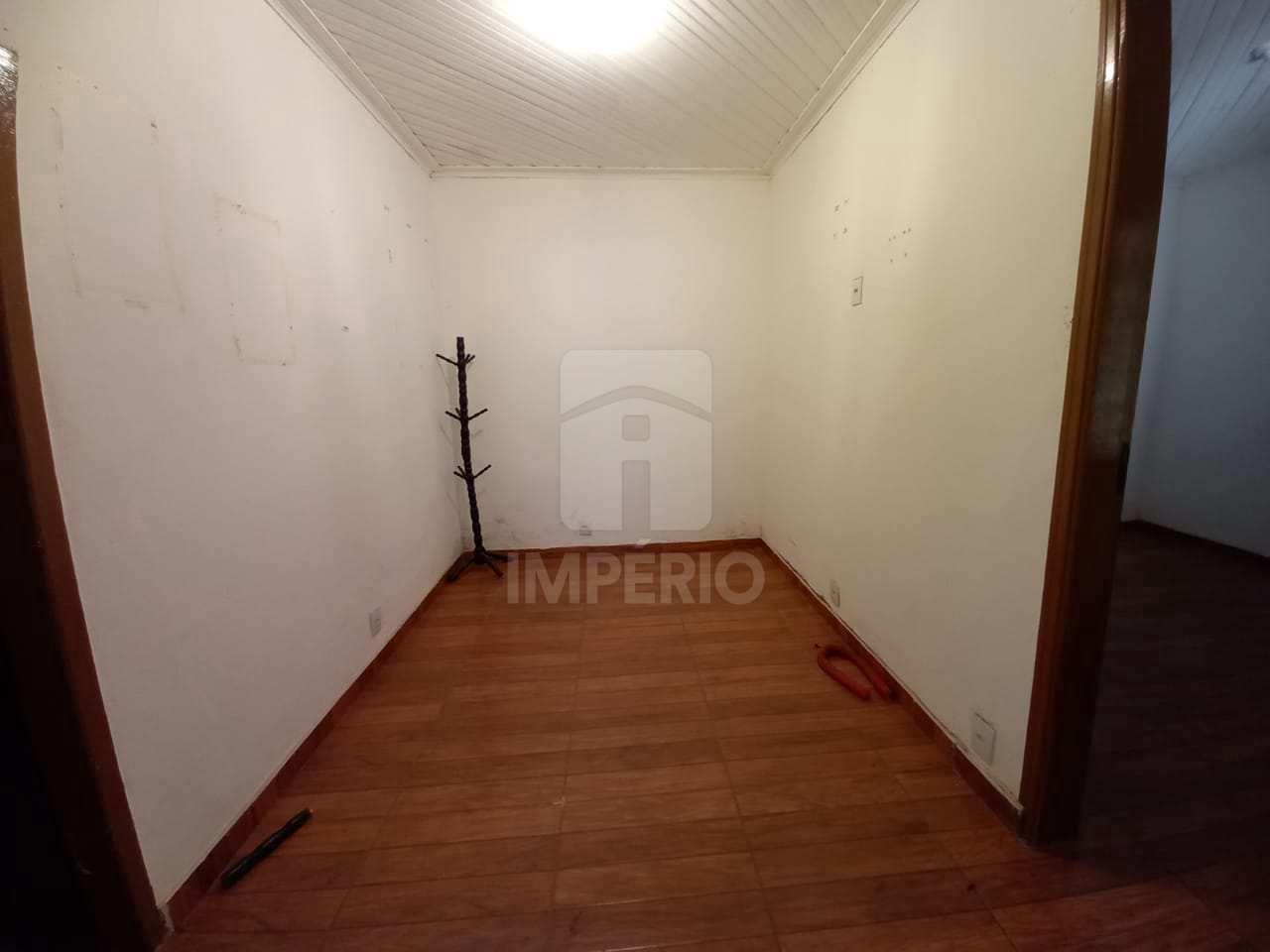 Casa com 3 dorms, Centro, Jaú - R$ 320 mil, Cod: 417
