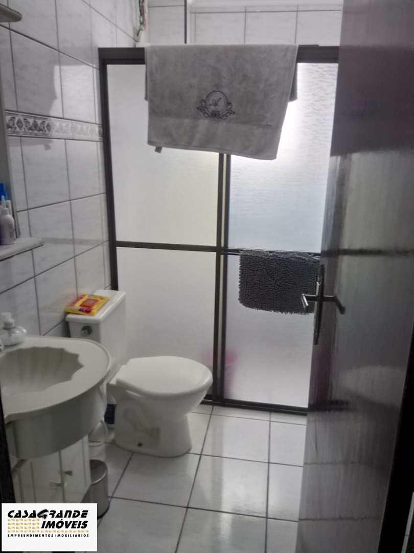 Apartamento com 2 dorms, Caiçara, Praia Grande - R$ 215 mil, Cod: 6323