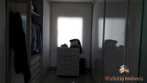 m_closet
