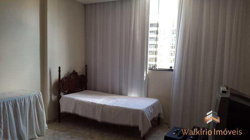 Apartamento com 3 dorms, Centro, Governador Valadares - R$ 400 mil, Cod: 134