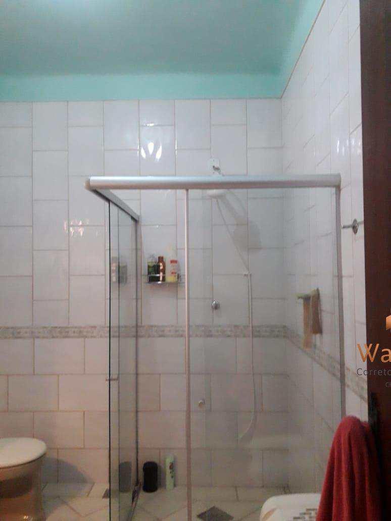 Casa com 4 dorms, Ilha dos Araújos, Governador Valadares - R$ 900 mil, Cod: 224