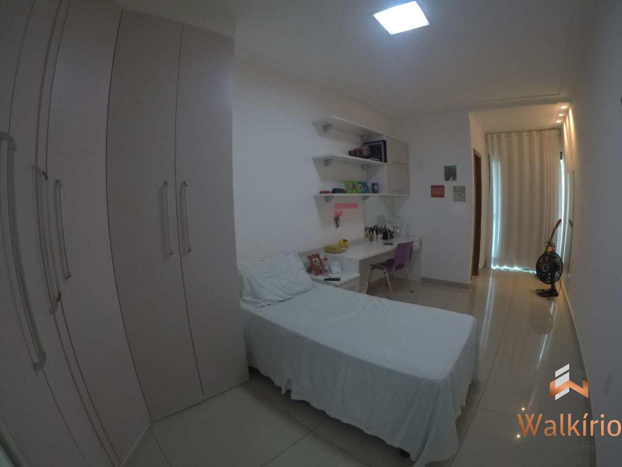 Casa com 3 dorms, Santo Agostinho, Governador Valadares - R$ 900 mil, Cod: 233