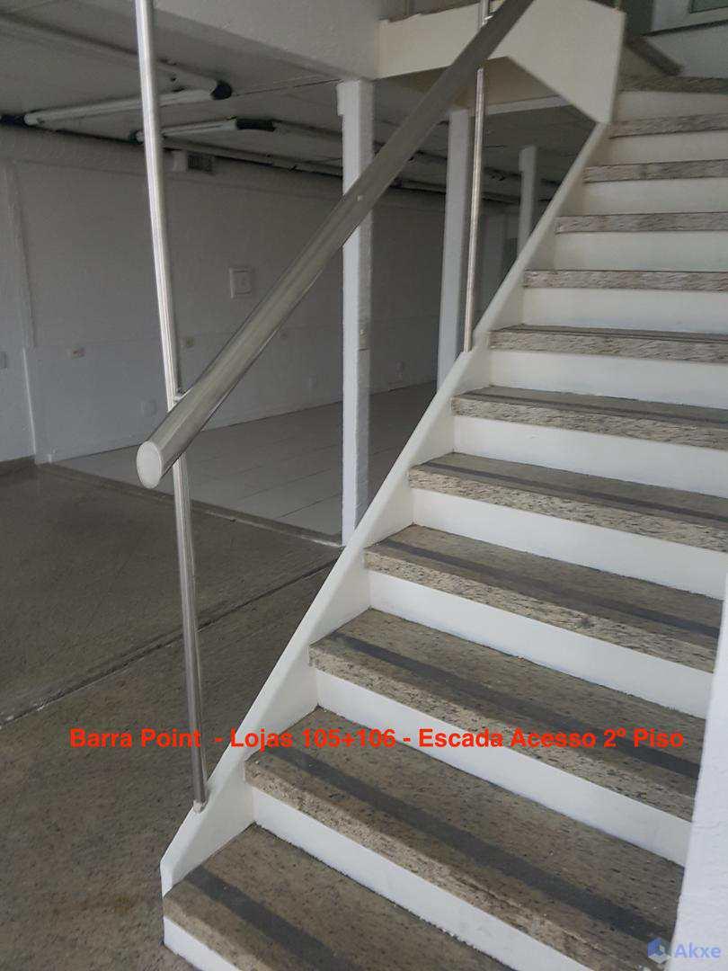 BPoint_Lojas105+106_Escada_Acesso_ao1ºPiso(2)