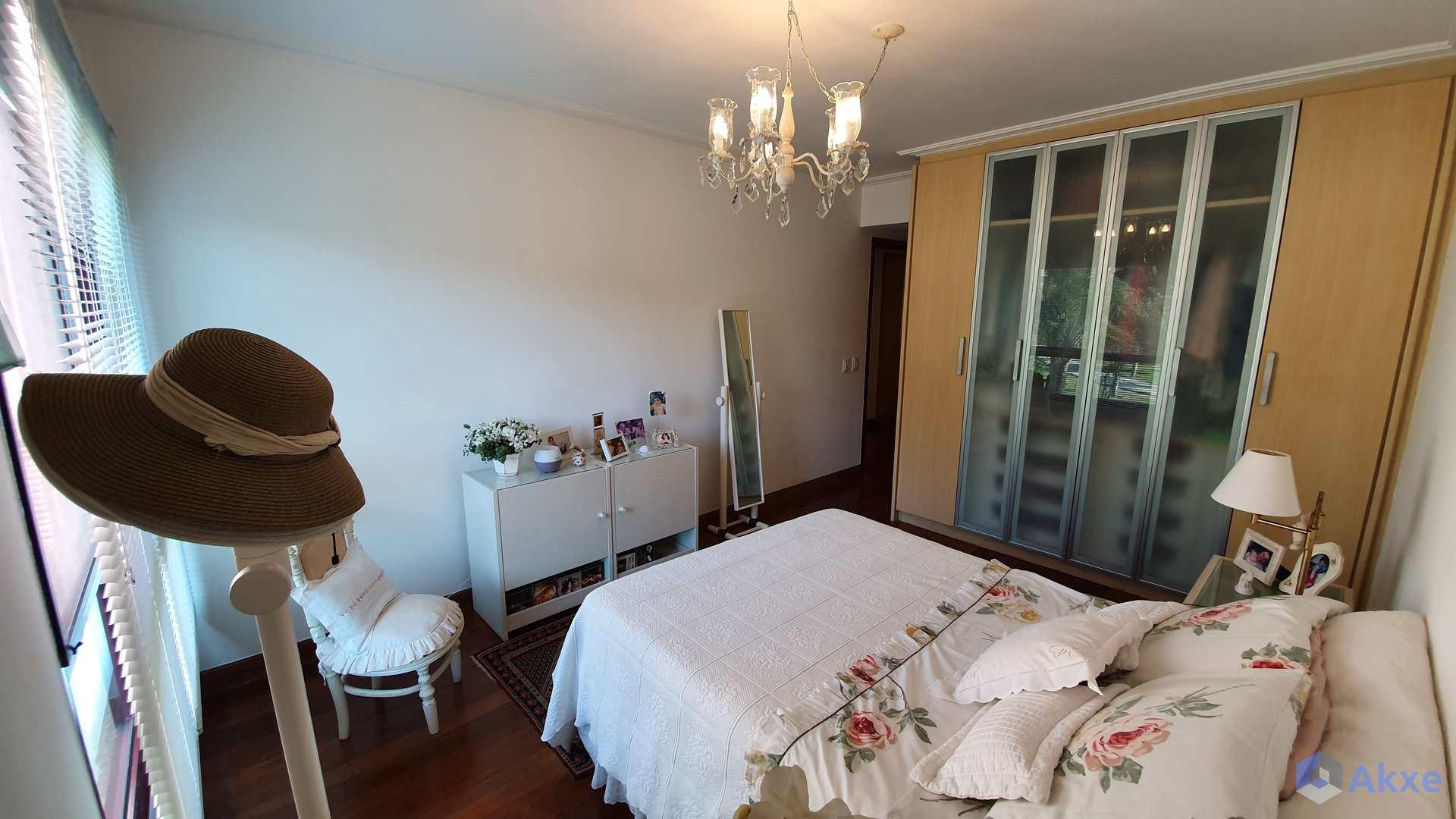 Apartamento de 4 quartos Barra da Tijuca R$ 2.4 mi