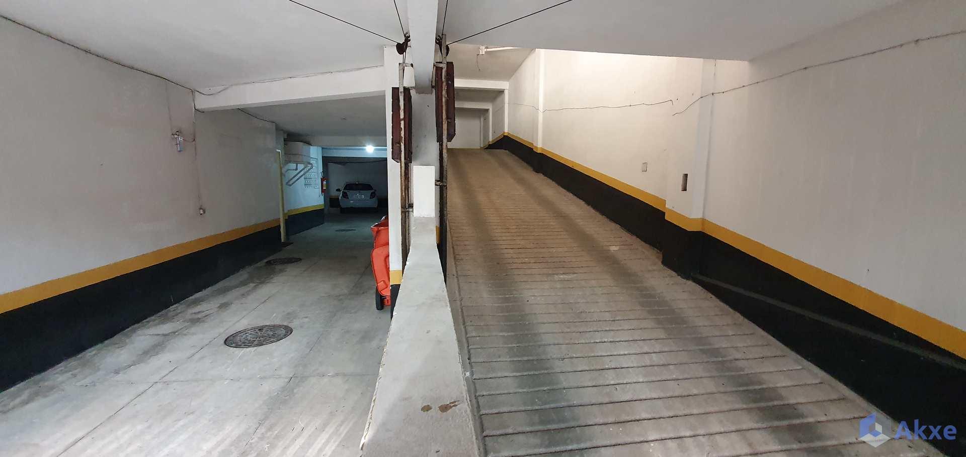 Apto de 2qts, 92m², todo reformado, Tijuca - R$ 525 mil