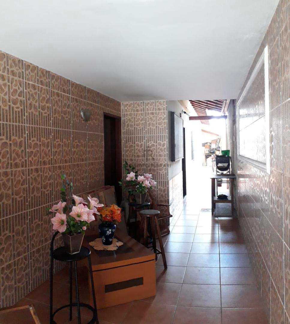 Casa com 2 dorms, Maracanã, Praia Grande - R$ 220 mil, Cod: 101