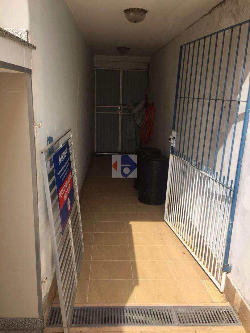 Casa com 4 dorms, Vila Costa, Suzano - R$ 3.5 mi, Cod: 51