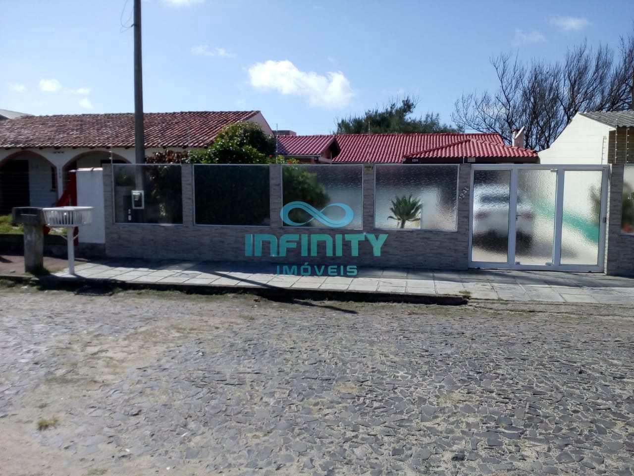 Casa com 3 dorms, Centro, Cidreira - R$ 250 mil, Cod: 569
