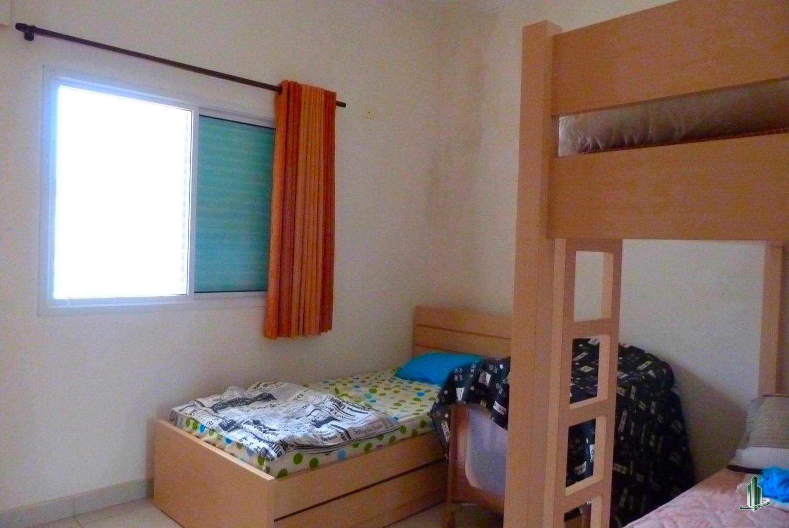 Casa com 4 dorms, Flórida, Praia Grande - R$ 1.200.000,00, 0m² - Codigo: CA1203