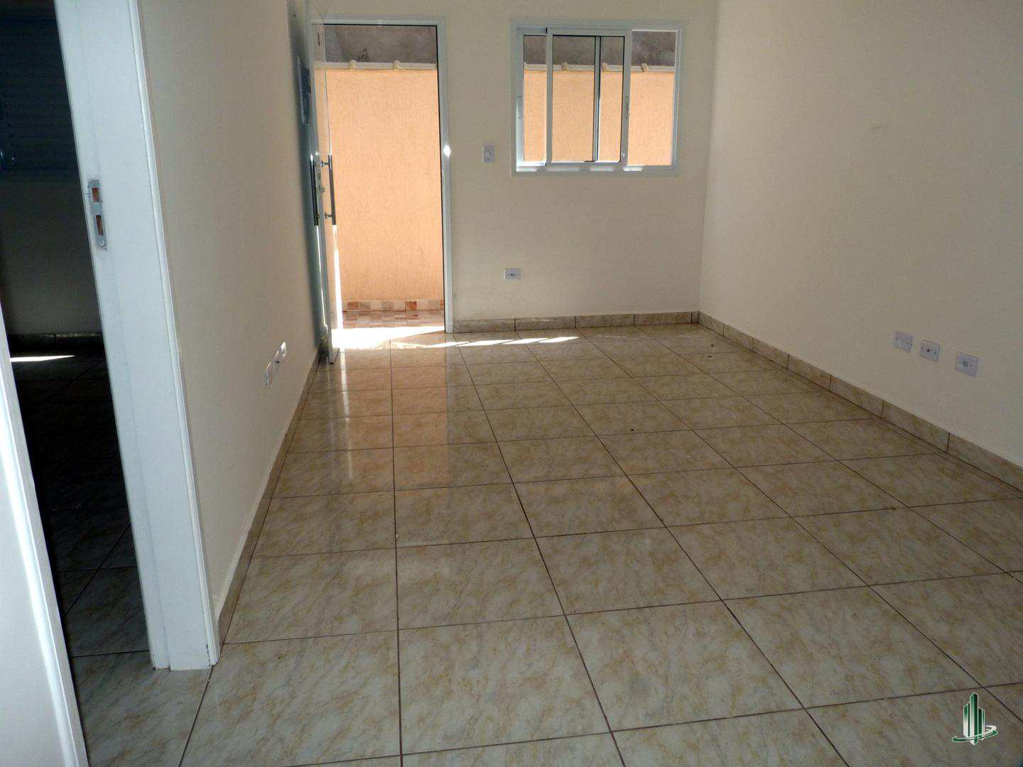 Sobrado de Condomínio com 2 dorms, Sítio do Campo, Praia Grande - R$ 210 mil, Cod: SO1159