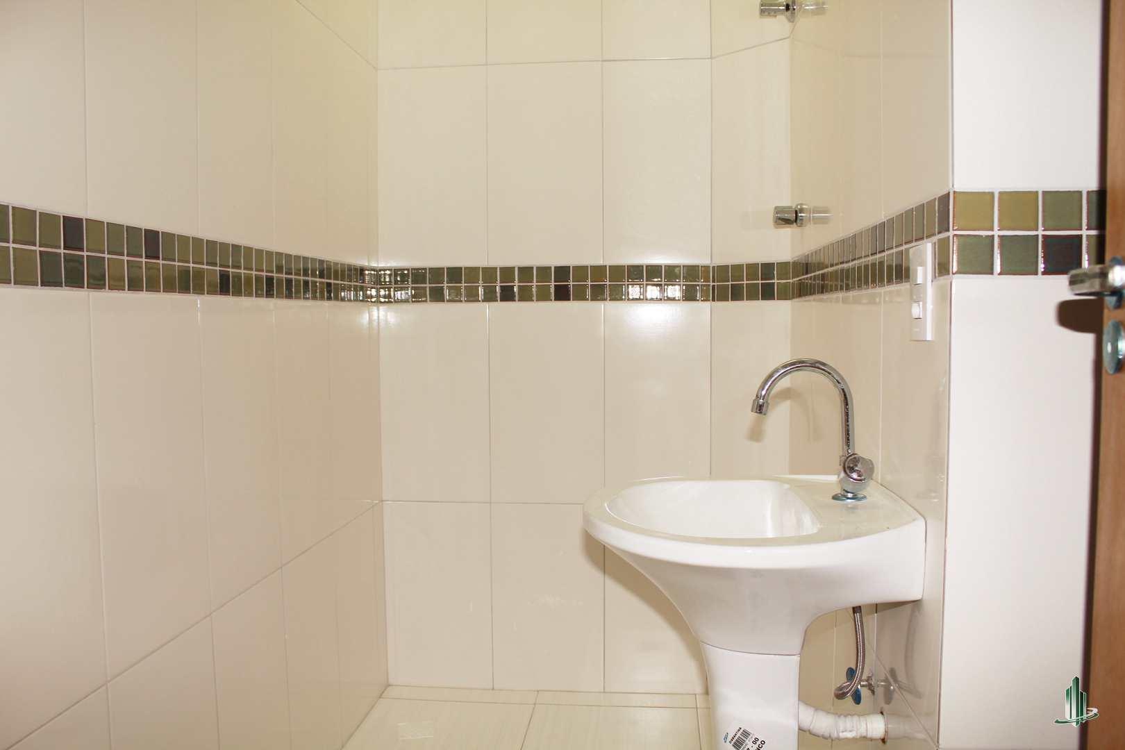 Sobrado de Condomínio com 2 dorms, Sítio do Campo, Praia Grande - R$ 220 mil, Cod: SO1218