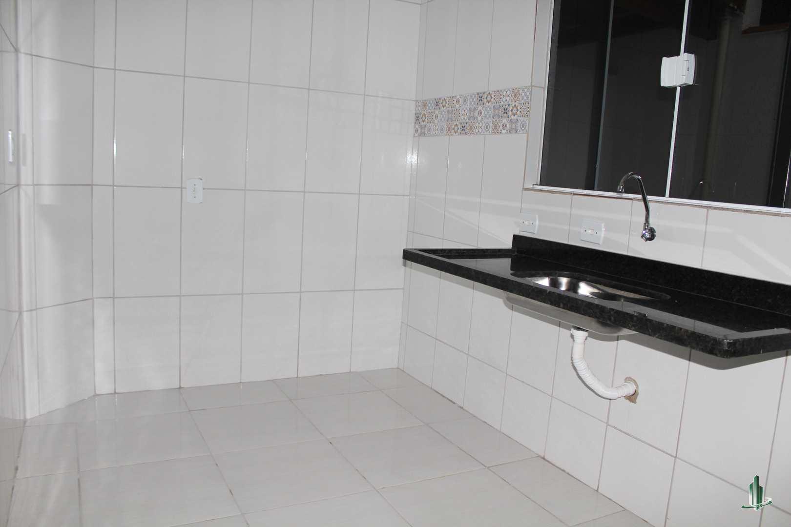 Sobrado de Condomínio com 2 dorms, Antártica, Praia Grande - R$ 190 mil, Cod: SO1228
