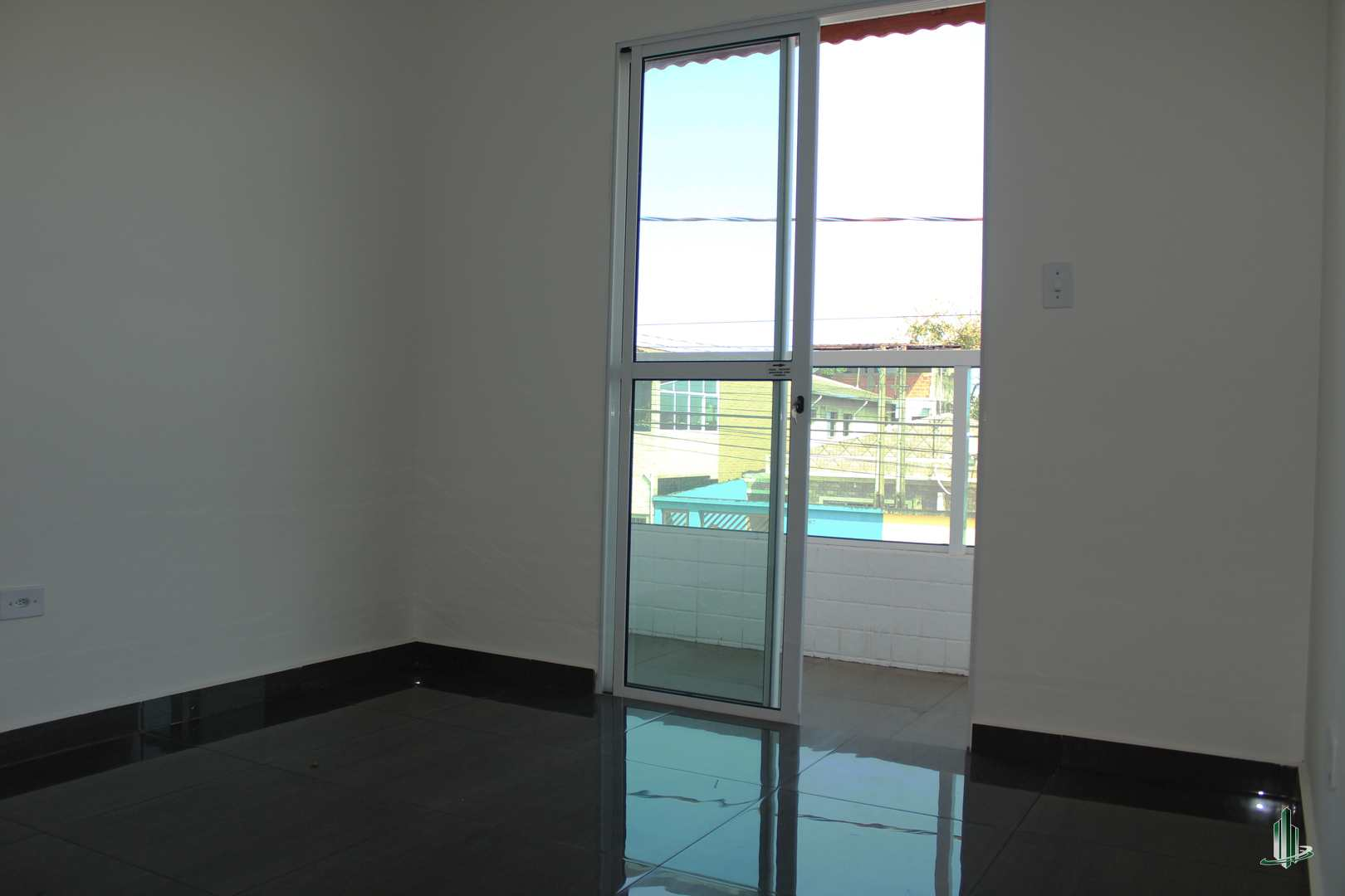 Casa de Condomínio com 2 dorms, Sítio do Campo, Praia Grande - R$ 220 mil, Cod: CA1233
