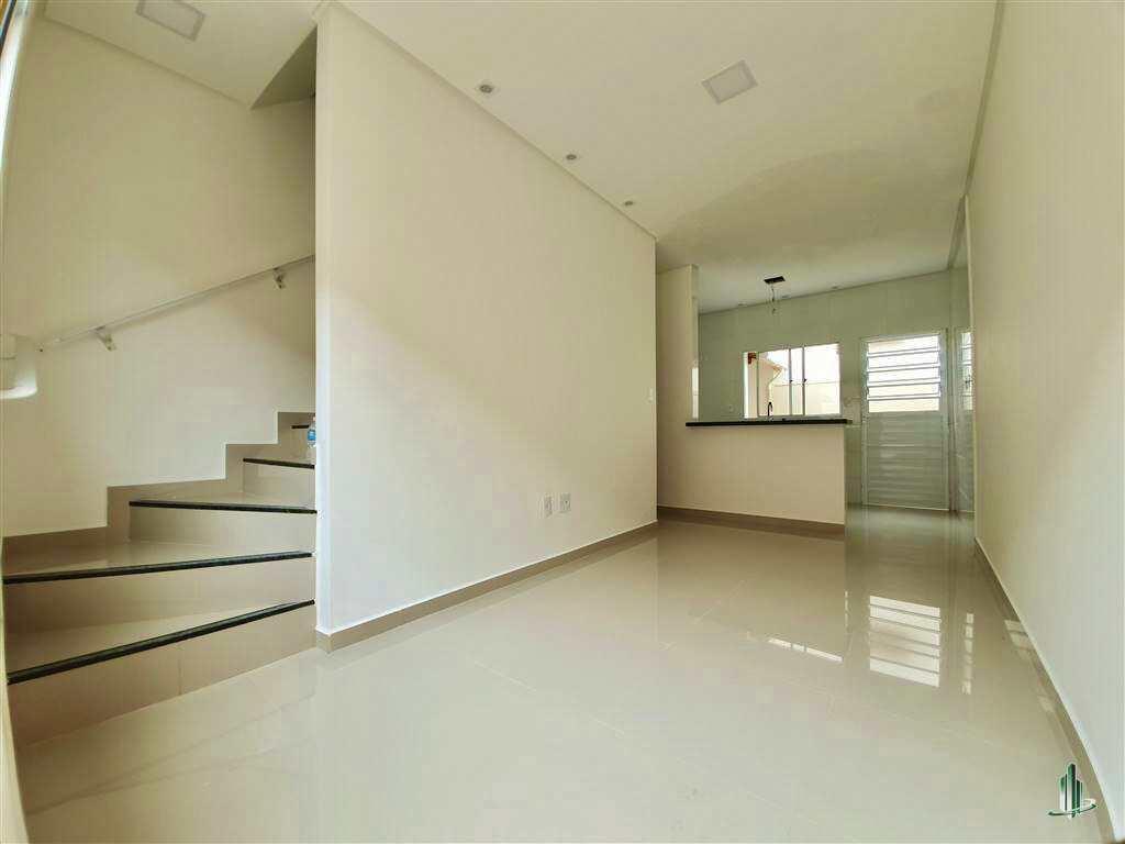 Sobrado de Condomínio com 2 dorms, Caiçara, Praia Grande - R$ 175 mil, Cod: SO1251