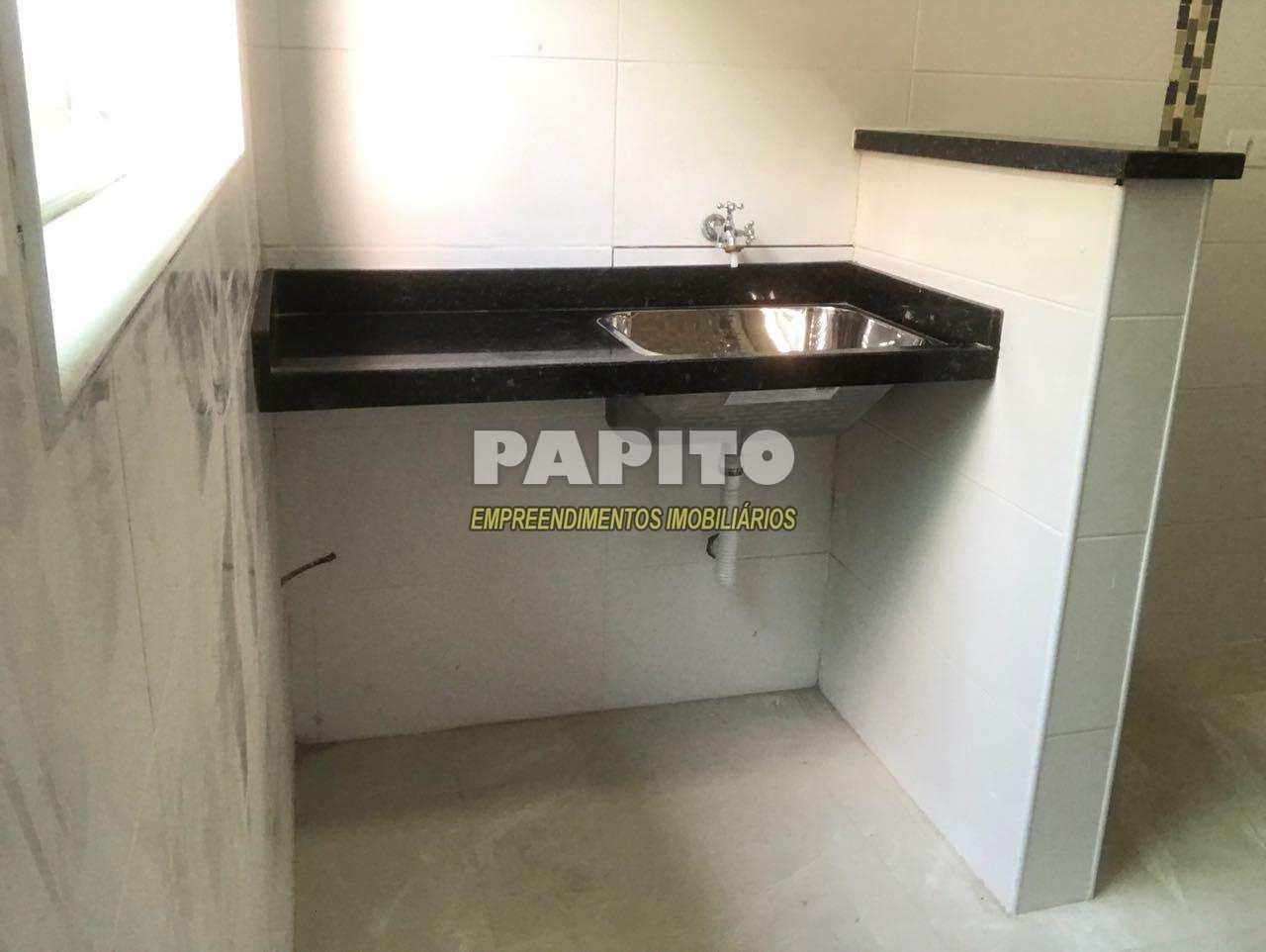 Casa de Condomínio com 3 dorms, Caiçara, Praia Grande - R$ 289 mil, Cod: 60011005