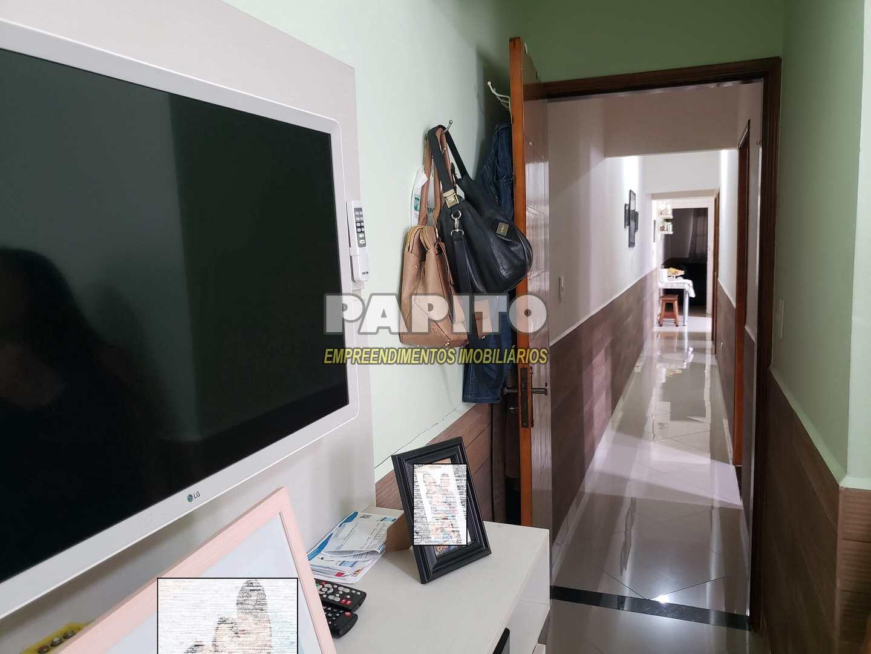 Casa com 3 dorms, Maracanã, Praia Grande - R$ 400 mil, Cod: 60011255