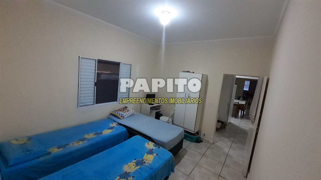 Casa com 3 dorms, Caiçara, Praia Grande - R$ 200 mil, Cod: 60011303