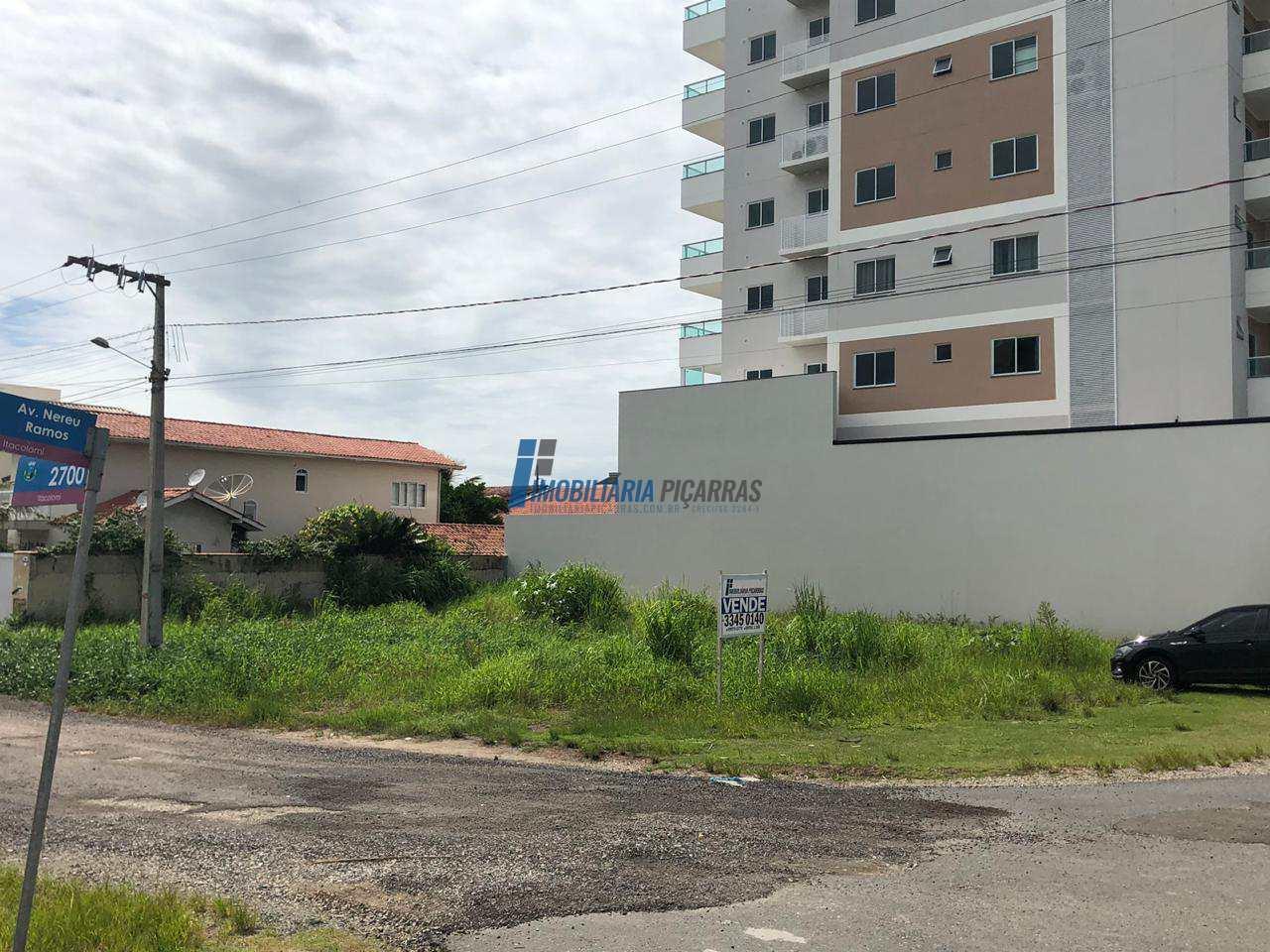 Terreno frente à Av. Nereu Ramos em Balneário Piçarras