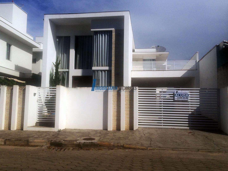 Sobrado 3 dormitórios Alto Padrão em Balneário Piçarras