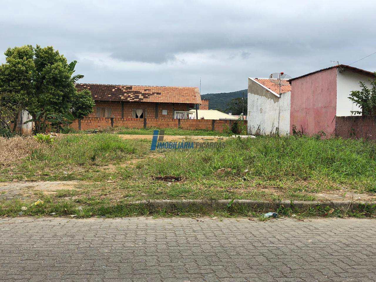 Terreno 351m2 em Balneário Piçarras