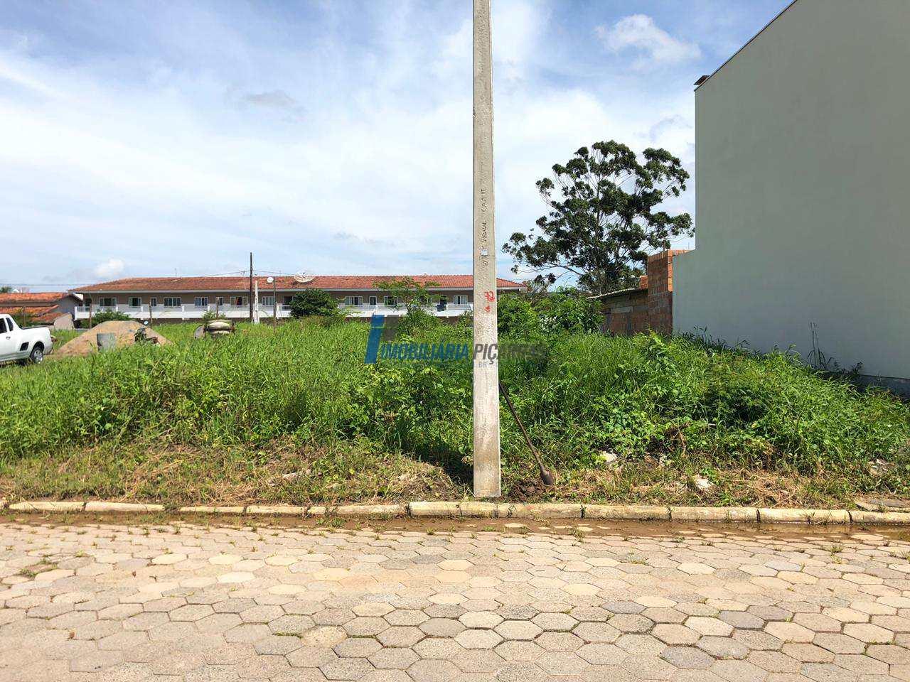Terreno 315m2 no Centro de Balneário Piçarras